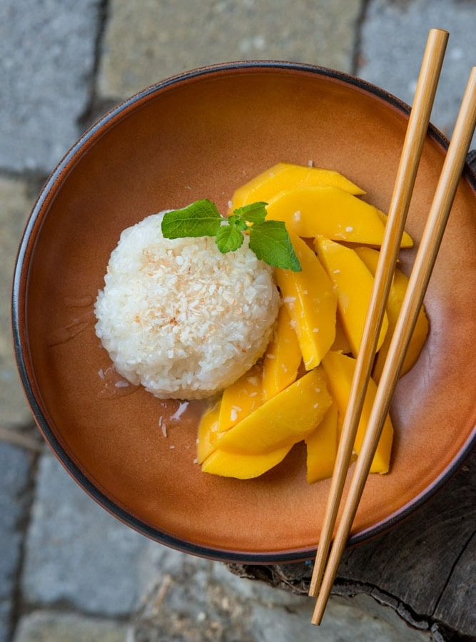 MANGO STICKY RICE – SWEET COCONUT STICKY RICE WITH MANGO