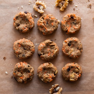 (NO-BAKE) CARROT CAKE KRINGLE COOKIES