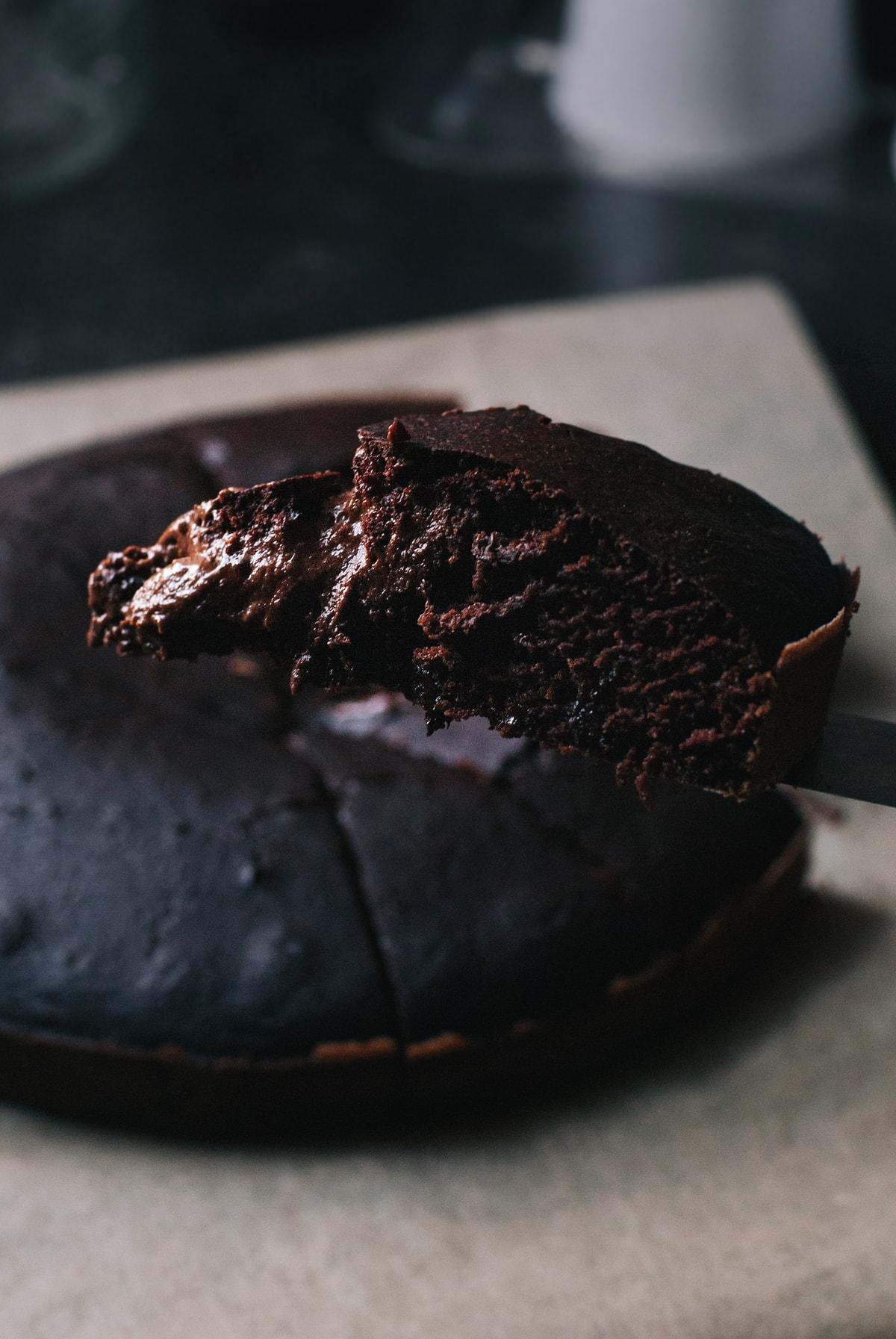 halfbaked_brownie_cake_3