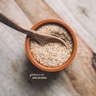 Gomasio – Japanisches Sesamsalz selbst herstellen