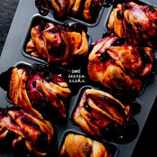 Mini Beeren-Babka – saftiges Hefegebäck mit fruchtig süßer Füllung