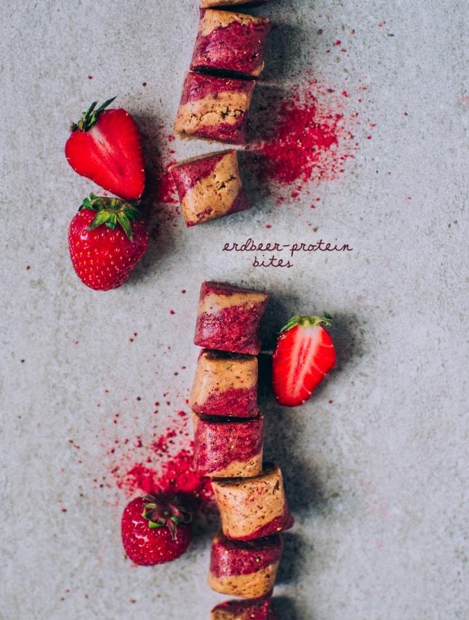 Fruchtige Erdbeer-Protein Bites – kleine Protein-Häppchen zum Selbermachen