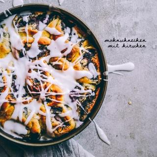 Mohnschnecken mit Kirschen – veganes Hefegebäck mit saftig-fruchtiger Mohnfüllung
