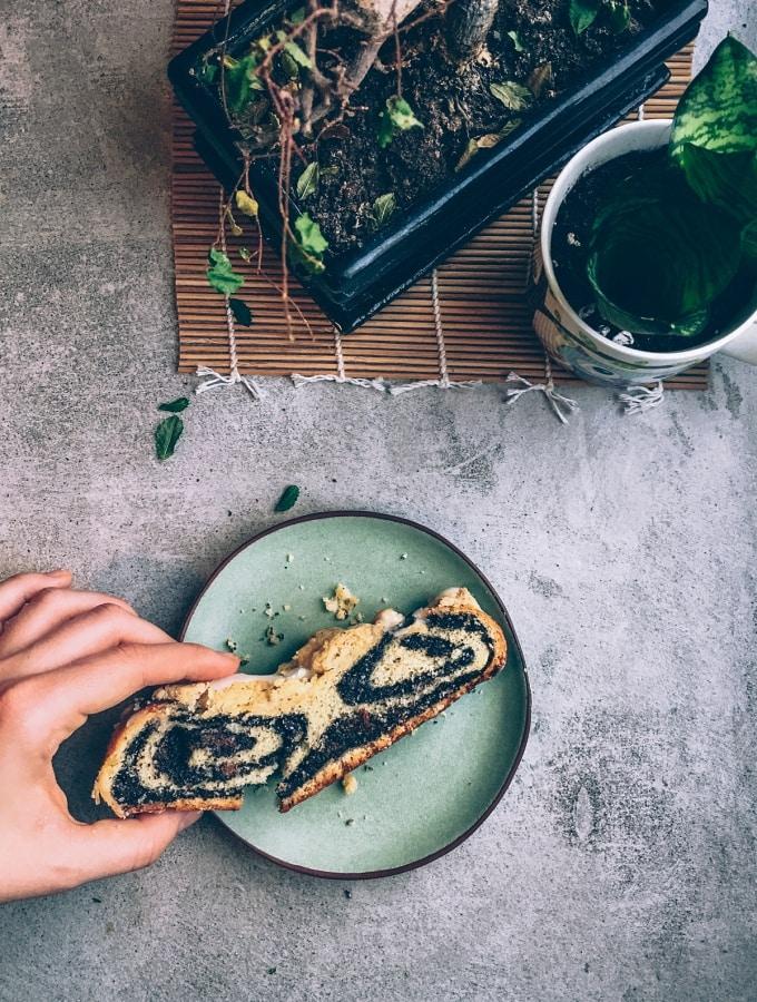 Saftige Mohnstreusel-Schnitten wie vom Bäcker – vegan & lecker!
